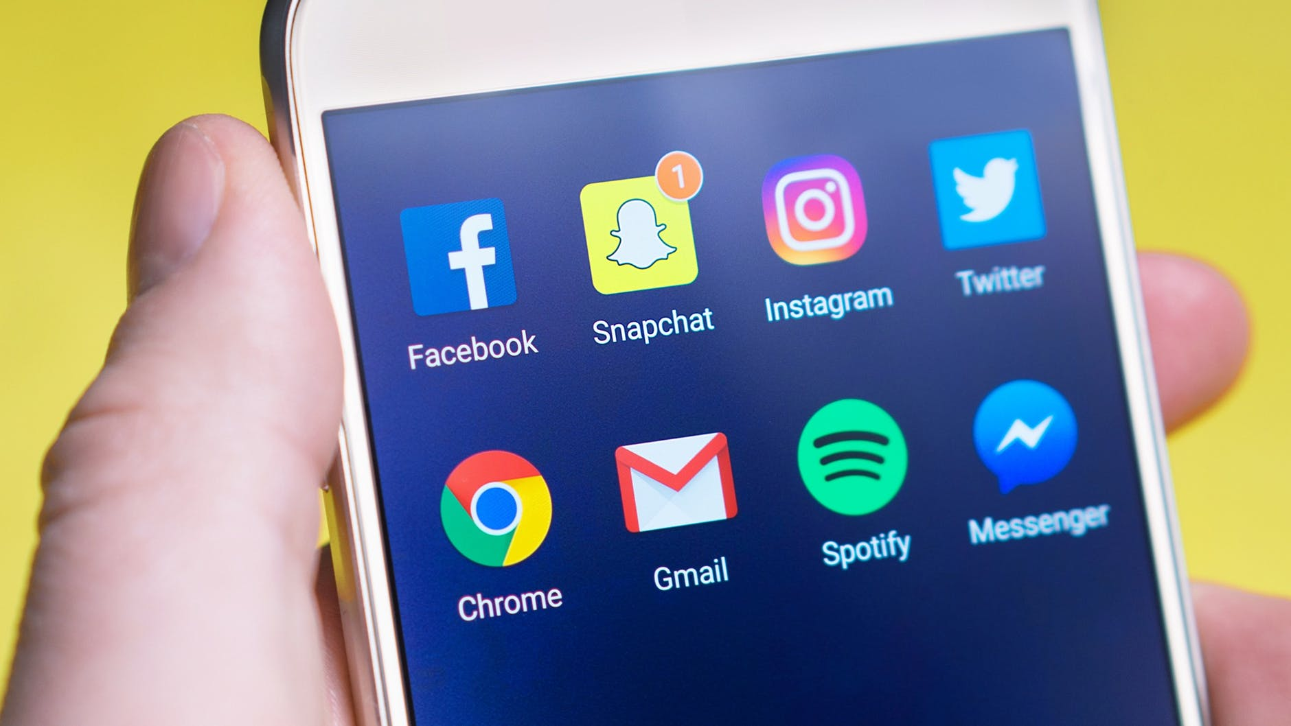 How Social Media Can Impact Your Journalism Career – Rate My Station